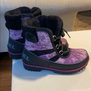 New Sorel winter boots, size 5